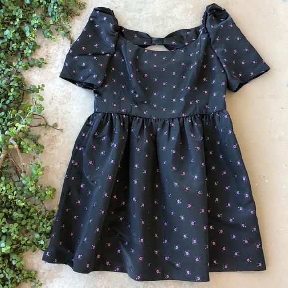 69fa663999a Gal Meets Glam Maude Black Satin Babydoll Dress